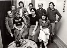 Toneelvereniging Evetoc, 1980EVETOC staat voor: Eerste Veessense Toneelclub.Opgericht op 25 november 1959. Sinds december 1960 heeft de toneelclub samengewerkt met de muziekvereniging.vlnr. Jan Velhuis, ??, mevr de Weerd, Steven van Marle, Henk van Werven, Mevr. Dokter,-Grolleman Judith van Velsen, Johan Bosman, Rudi van de Scheer, ???